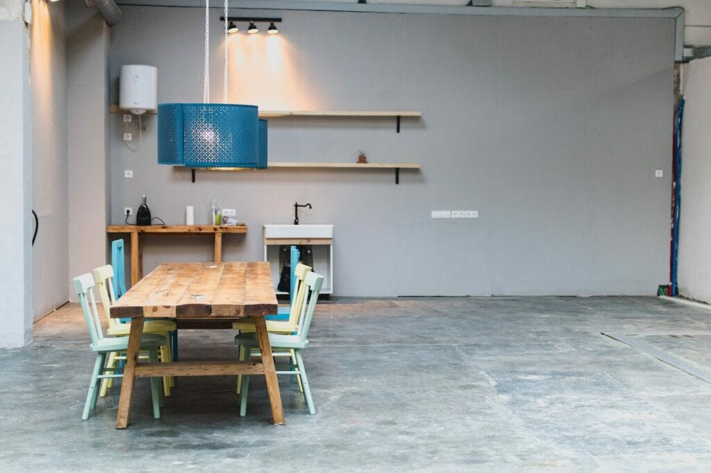 Cahoot meeting table